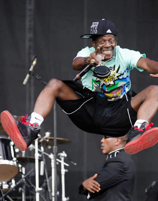 Yeahhhh boooiiieeeee! Flava Flav looks 58 but jumps like a much younger man.